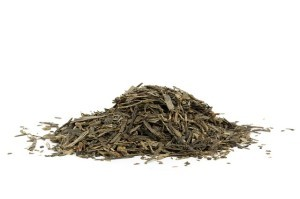 some loose leaf green tea